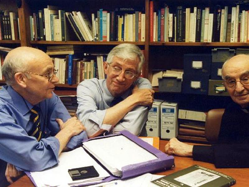 Meeting of the editorial board of AVOMO (Barcelona, May 2000), with Juan Antonio Paniagua and Michael R. McVaugh
